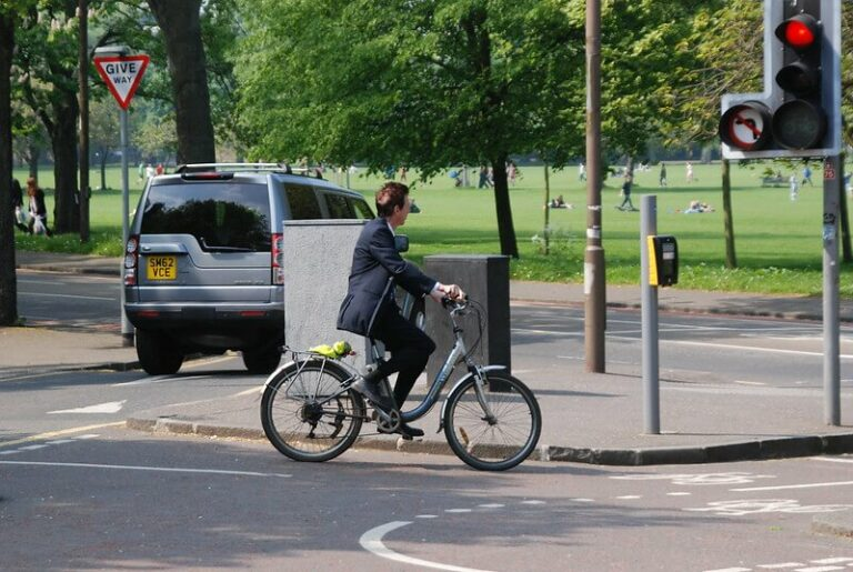 The Benefits Of Commuting On An Electric Bike (Explained)